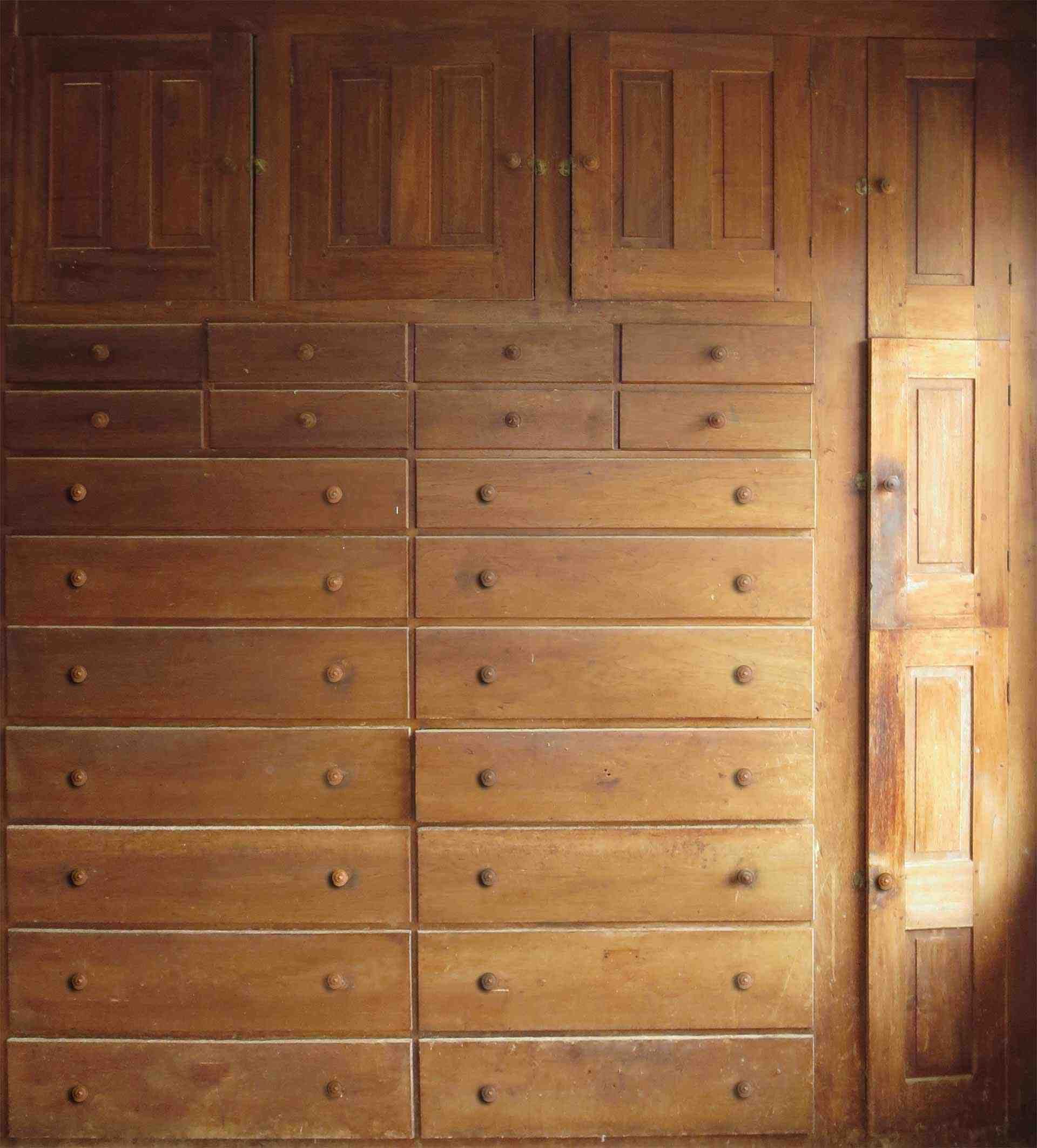 Built-in Case of Drawers and Cupboards
